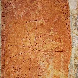 Runestone2 by Sámuel Zalányi - Artistic Objects Antiques ( sweden, gammla, vikings, scandinavia, upplsala, runestone )