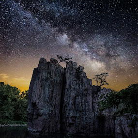 King and Queen Rock Milky Way by Aaron Groen - Landscapes Starscapes ( milkyway, king and queen rock, night landscape, south dakota, milky way stars, palisades state park, milky way, astro, sky, stars, dark, night, rock formation )