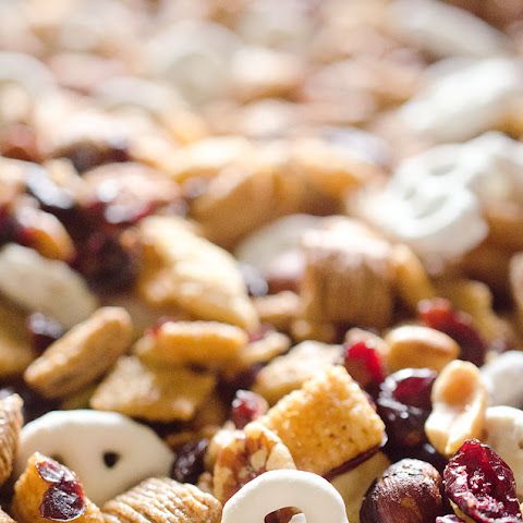 Sweet & Salty Cranberry Snack Mix