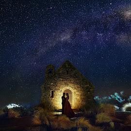 A Night Out by Zhuo Ya - Wedding Bride & Groom ( zhuoya, prewedding, lake tekapo, wedding, night, zhuoya photography, new zealand, milky way )