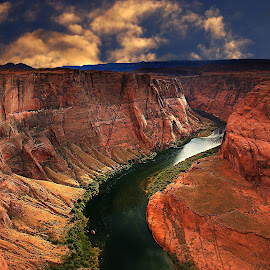 Colorado canyon by Gérard CHATENET - Landscapes Travel