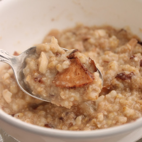 Overnight Baked Apple Steel Cut Oats
