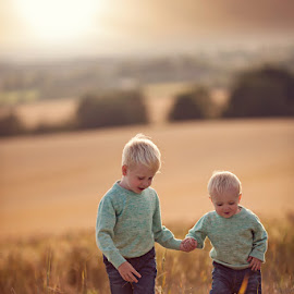 Harrison & Rowan by Claire Conybeare - Chinchilla Photography - Babies & Children Toddlers
