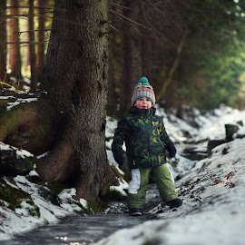 Exploration of the Winter Forest  by Piotr Owczarzak - Babies & Children Children Candids ( winter, mountain, cold, karpacz, snow, children, forest, kids, poland )