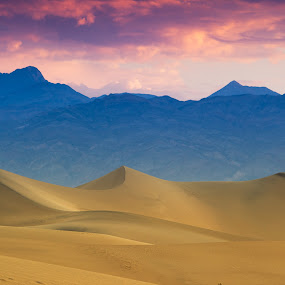 Twilight by Francesco Riccardo Iacomino - Landscapes Deserts ( death valley, sand, dunes, national park, desert, twilight, hot, usa )