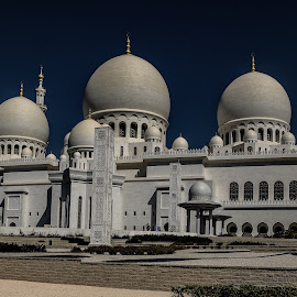 Sh. Zayed Grand Mosque, Abu Dhabi. Clicked from the back side. by Kumar Gowda - Buildings & Architecture Places of Worship