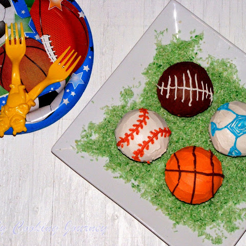 Vanilla Cupcakes with Butter Cream Frosting – Sports Themed - Classic Butter Cake with Classic Butter Cream Frosting
