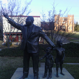 Martin L. King Jr. by James Bullman - Buildings & Architecture Statues & Monuments