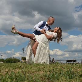 by Sasa Rajic Wedding Photography - Wedding Bride & Groom ( wedding dress, wedding photography, wedding photographer, weddings, wedding day, wedding photographers, wedding, weddingdance )