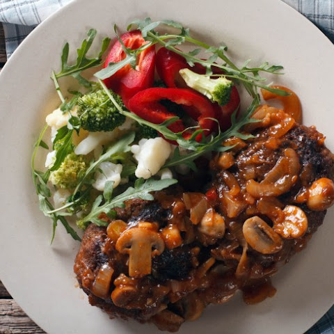 Slow Cooker Salisbury Steak With Mushroom Gravy