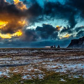 vik, islandia by Lenagh Gar - Landscapes Cloud Formations ( paisaje, turismo, travel, nieve, invierno, vik, nature, cielo, rocas, nubes, navidad, playa, islandia )