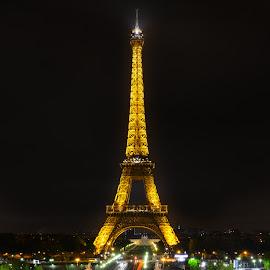 The Eiffel Tower by Marcin Frąckiewicz - Buildings & Architecture Public & Historical ( paris, eiffel tower, night photography, eiffel, nightscape )