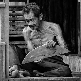 by Chal Gie - People Portraits of Men ( senior citizen )