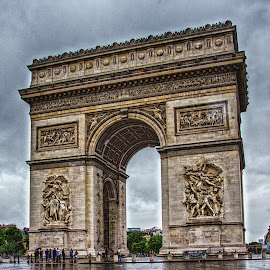 Arc de Triomph by Pravine Chester - Buildings & Architecture Statues & Monuments ( paris, building, arc de triomphe, france, monument, historical, architecture, gate )