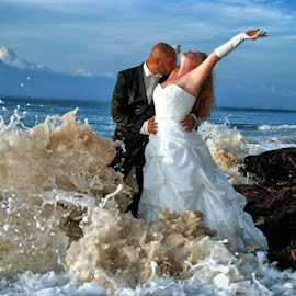 Bali tropical beach  by Zeki Yilmaz - Wedding Bride & Groom ( #balilifestyle#baliholiday#honeymoon#eqsotic #topical # )