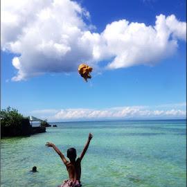 Arvic Jumps! by Dickson   Shia - Babies & Children Children Candids ( cliff, dive, beach, jump, kid )