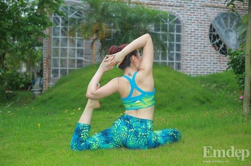 Cach-lam-giam-mo-dui-voi-nhung-dong-tac-Yoga-cuc-kỳ-don-gian 2762611862
