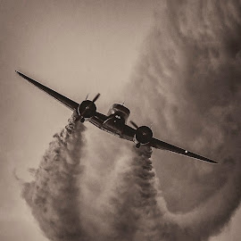 by Nathan Pentecost - Transportation Airplanes