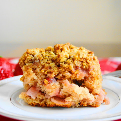 Strawberries & Cream Crumb Cake