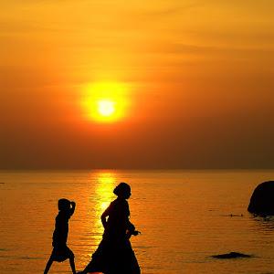 sunsetwalk.jpg