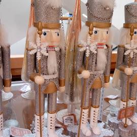 by Barbara Boyte - Public Holidays Christmas