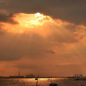 mataharinya masih di balik awan... by Dwi Ratna Miranti - Landscapes Cloud Formations
