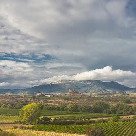 castillo fortaleza San Vicente de Sonsierra, Logroño by Roberto Gonzalo Romero - Landscapes Mountains & Hills ( fortaleza, logroño, castillo, castle, san vicente de sonsierra )