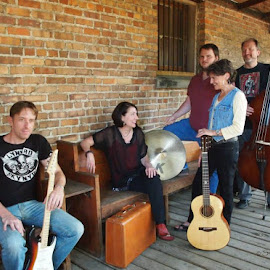 Traveling Light by Jacquie Wingate - People Musicians & Entertainers ( KidsOfSummer )