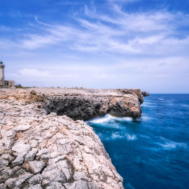 Lighthouse by Giuseppe Parisi - Landscapes Waterscapes ( lighthouse, siracusa, sicily, plemmirio, sea )