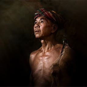 Fisher man :) by Jeerasak Chaisongmuang - People Portraits of Men ( fisherman thailand fishing net )