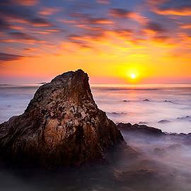 The Summit by Tri Mulyanto - Landscapes Sunsets & Sunrises ( sunset, lanscape, australia, sunrise )