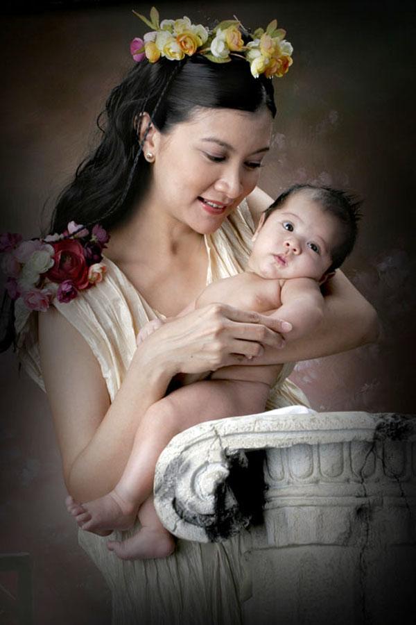 by Edwin   S. Loyola - People Family