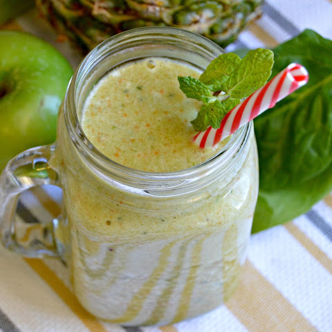 Apple, Orange, and Pineapple Green Smoothie