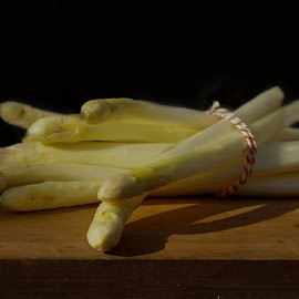 Asperges like the old masters by Marjo Uit Den Bosch - Food & Drink Fruits & Vegetables