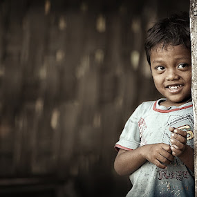 Just smile of a kid by Diens Silver - Babies & Children Children Candids ( potrait, children, classic, kid )