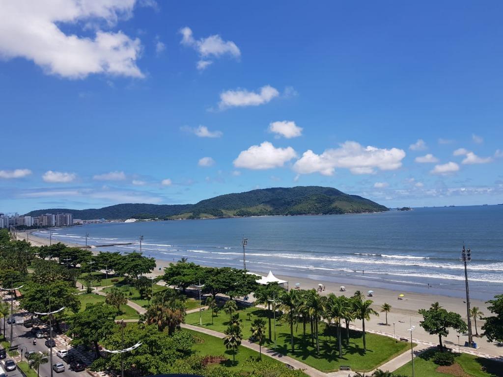 Venda ou permuta de apartamento vista total ao mar Embare Sa