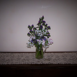 Centrepiece by Sarah Harding - Novices Only Objects & Still Life ( still life, novices only, museum, flowers, historic )