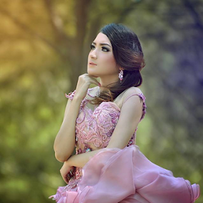 MUA : AZKA Wedding. Talent : Novrida. by Agung Dwiyanto - People Portraits of Women