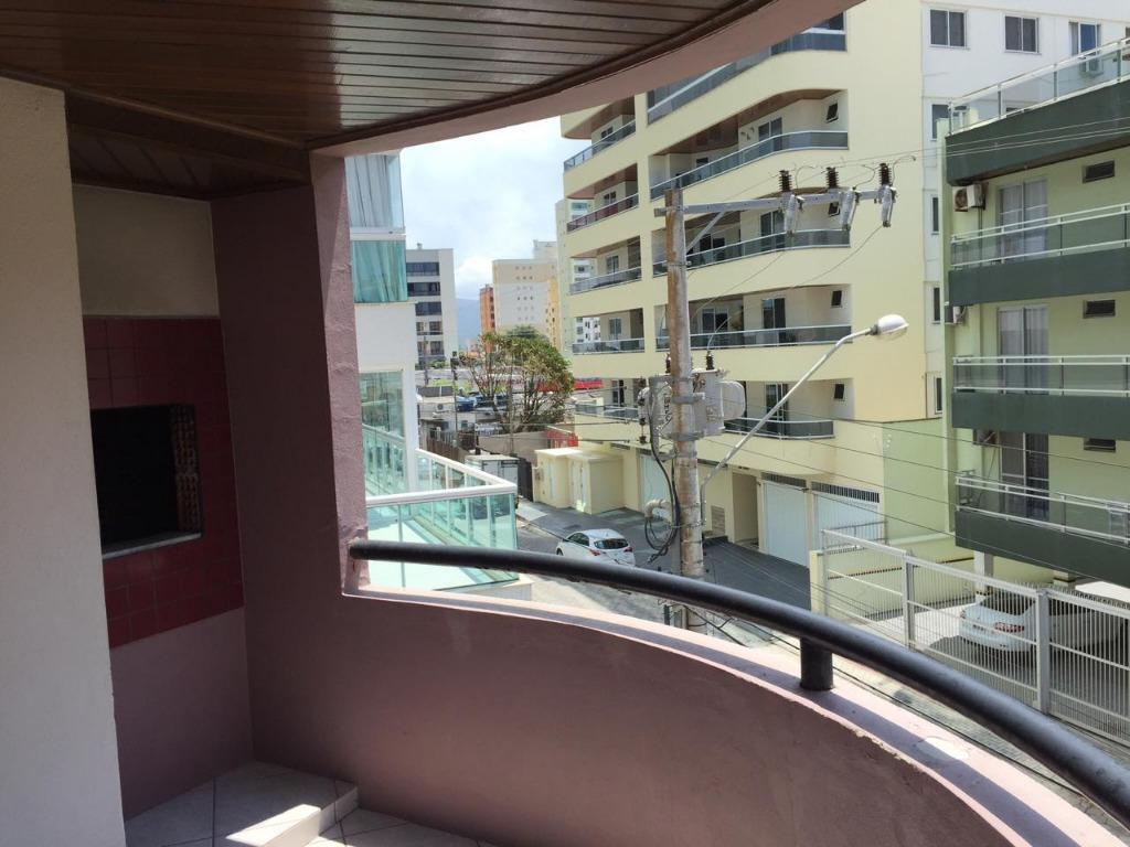 Apto Quadra Mar 3 dormitórios sendo 1 Suite Locação Anual R$ 2.600,00 Mobiliado