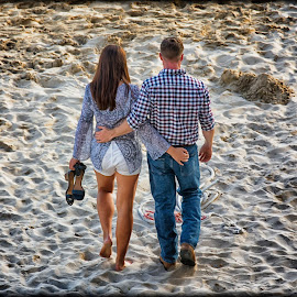 Ocean Side Romance by Linda Tiepelman - People Couples ( a westin resort, honolulu, tourism, ocean, romance, love, vacation, woman, moana surfrider, couple, man, hawaii, spa )
