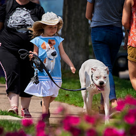 Who's the Big Dog Now? by Mike Woodard - People Street & Candids ( little girl, dog, big dog, paws on grand )