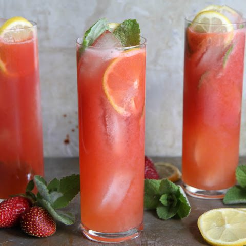Vodka Strawberry Lemonade Cocktails
