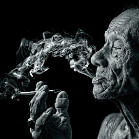smoker #3 by Yaman Ibrahim - People Portraits of Men ( black and white, senior citizen )