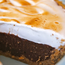 Peanut Butter S?mores Meringue Pie