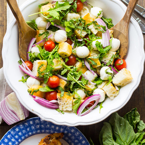 Crowd-Pleasing Caprese Panzanella Salad