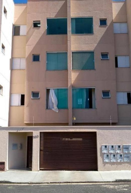 Apartamento com 2 dormitórios à venda, 74 m² por R$ 195.000 - Olinda - Uberaba/MG
