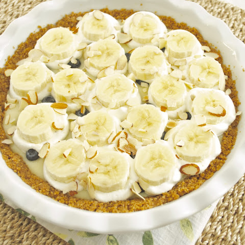 Banana Blueberry Cream Pie with Oatmeal Cookie Crust