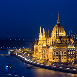 Parliament by Péter Mocsonoky - Buildings & Architecture Other Exteriors ( urban, parliament, hungary, budapest, traffic, architecture, danube, river )