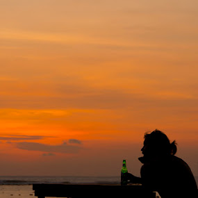 Me, My Beer & The Sunset by Ridwan Handoyo - Food & Drink Alcohol & Drinks ( pwccolddrinks )