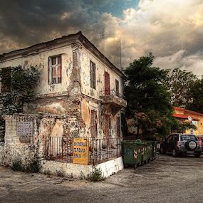 old house by Branislav Rupar - Buildings & Architecture Homes ( hdr, e-620, rubble, bricks, house, olympus )